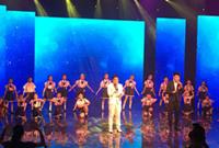 合唱队参加电视演出