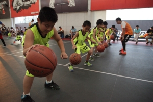 篮球周末班