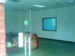 塘厦一楼厂房400平米现成吊顶两间办公室地板漆