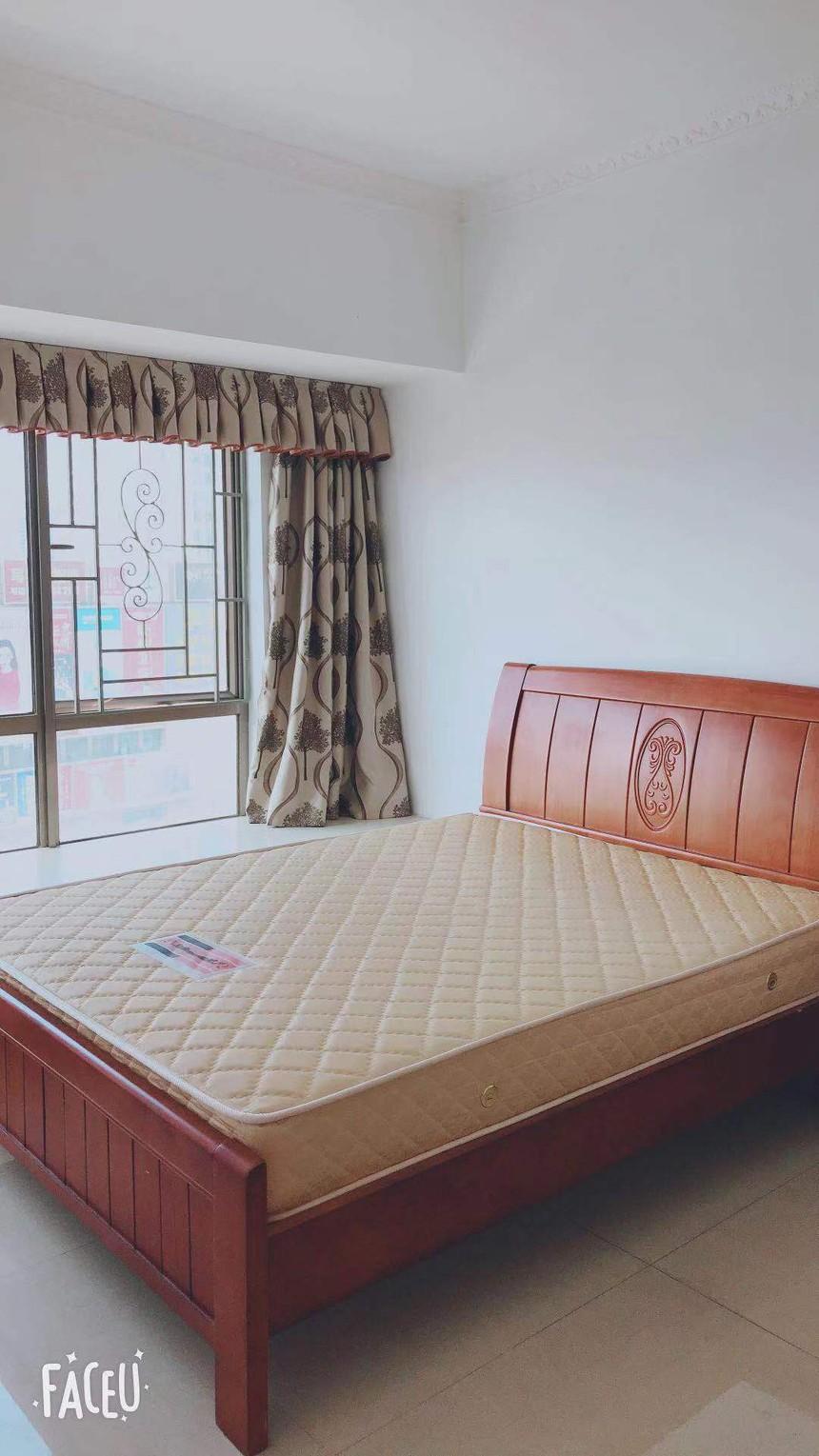 图片是毛坯房装修出来的效果图.jpg