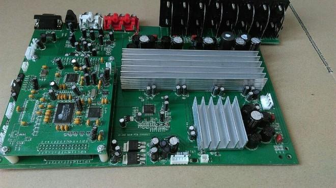 图8所示。   STA516B是意法半导体继STA508之后推出的又一款大功率单电源数字功放IC,STA516B是单片四网格状阶段multipower BCD技术。设备可以作为双桥或重新配置,通过连接销销VDD配置,作为单桥与双流功能或半桥(二进制模式)与当前能力的一半。设备设计,尤其是立体声输出级的所有数字高效率放大器。它能够提供200W+200W,6负载(THD=10%,VCC=51V或在单一线下配置中400W,3loadTHD=10%,VCC=52V。STA516B应用在高保真音频放大器,如家庭影