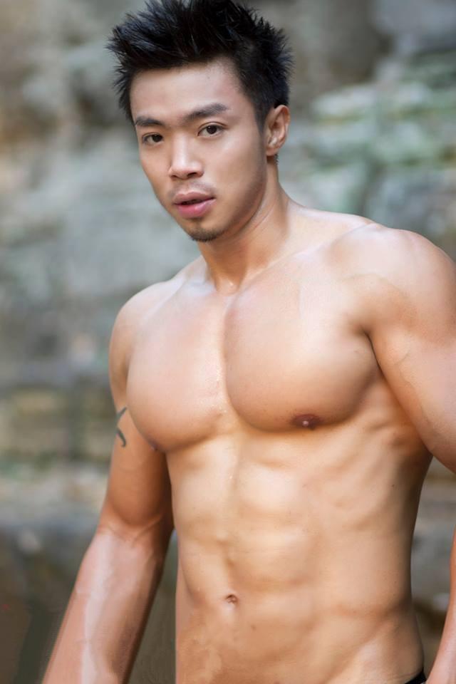 柬埔寨大胸男模强壮身材