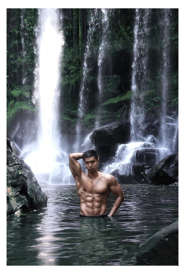 柬埔寨唯美丛林小池男模展野狼本色