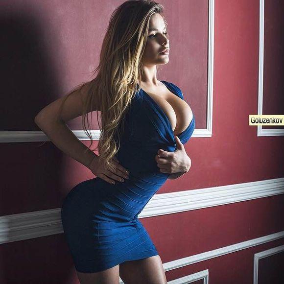 阿娜斯塔西娅.克维特科紧身连衣裙爆乳写真图片