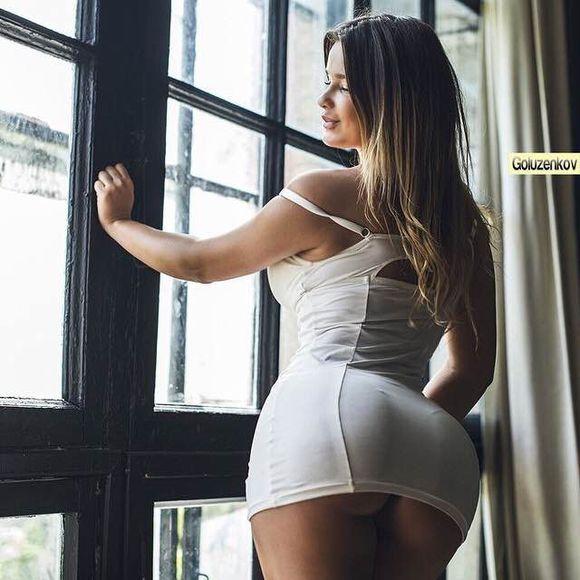俄罗斯版卡戴珊阿娜斯塔西娅翘臀秀出别样的性感