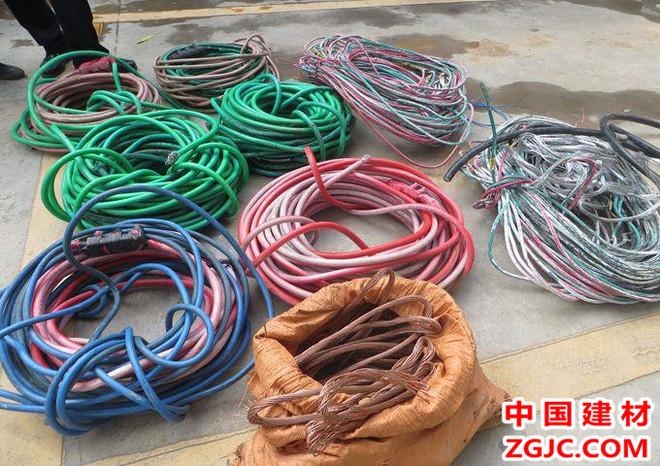 富民警方破獲轄區內涉案人數最多盜竊電線電纜團伙案.jpg