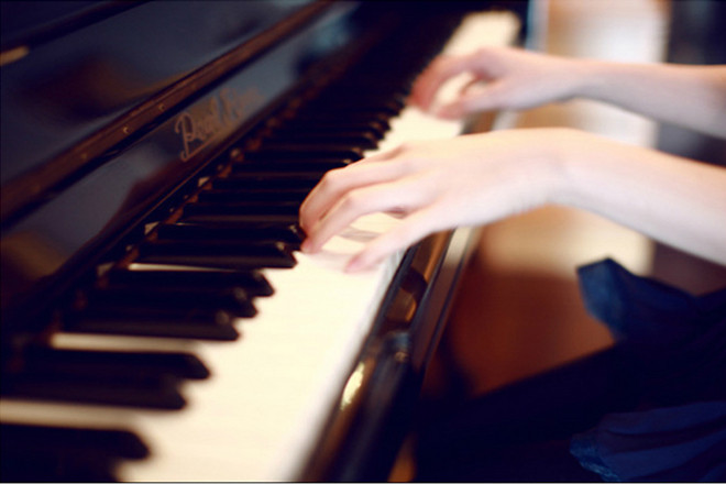 也有人会问:学习钢琴有什么意义吗?能给我们带来什么样的好处呢?.jpg