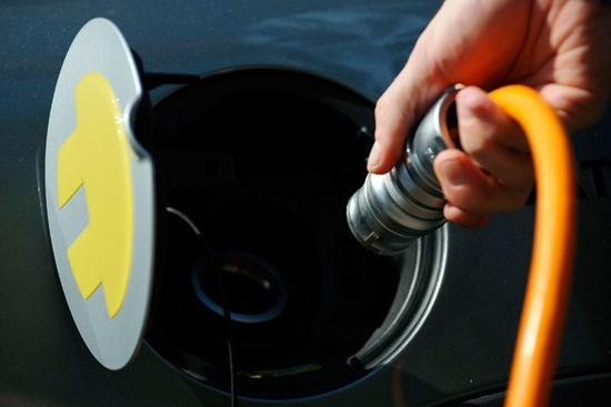 美政府计划注资45亿美元建电动车充电站