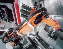 机械装载:铣床上工件加载及卸载