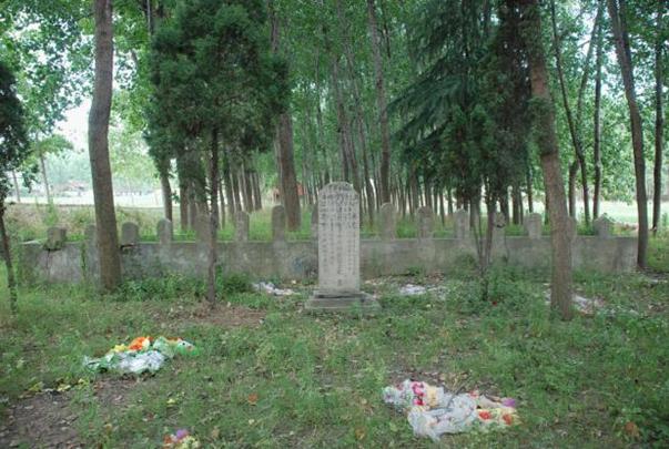 1989年10月迁往张夹道村黄桥湾的烈士公墓(图).png