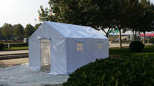 白色帐篷.jpg