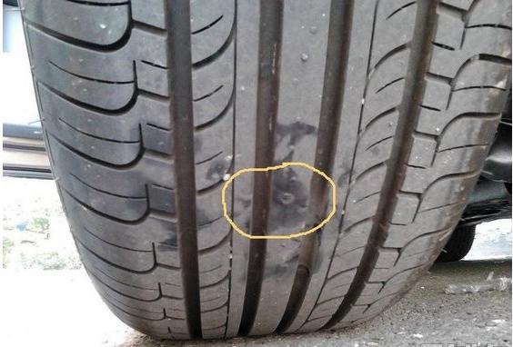 """轮胎扎了""""钉子""""该怎么办?到底要不要拔掉?"""