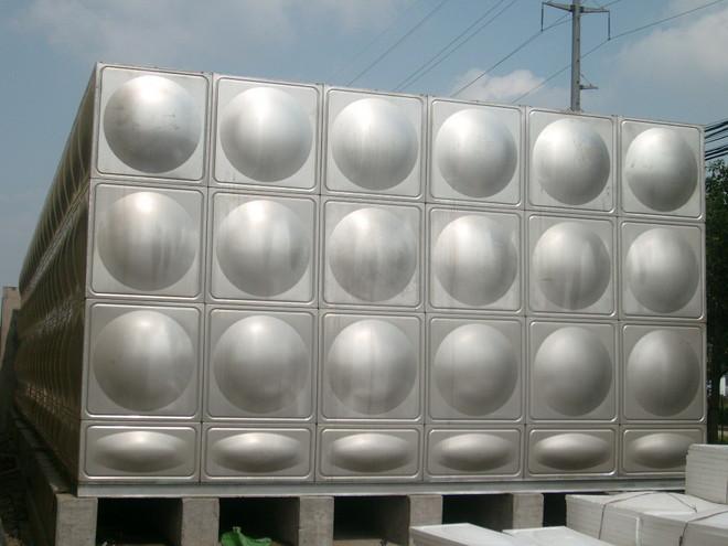 不锈钢水箱及基础.jpg
