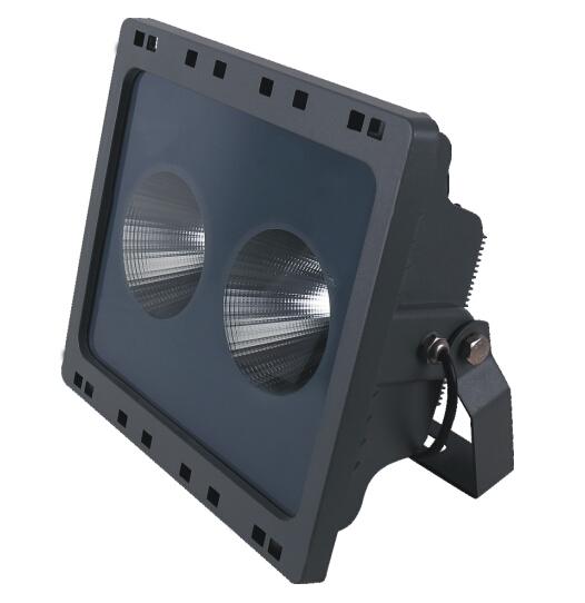 LED投光灯ZS-100W-10K(12°)
