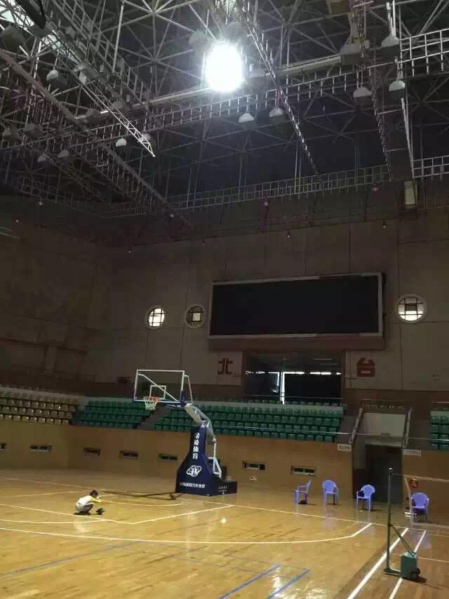 ZS-100W 90°篮球场案例.jpg