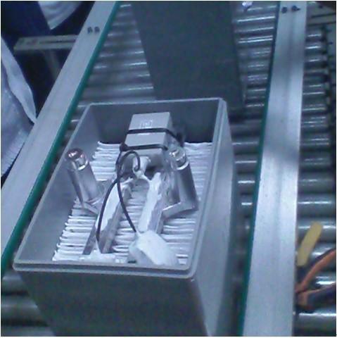 蓄電池GPS防盜追蹤系統終端在電池廠生產線上調.jpg